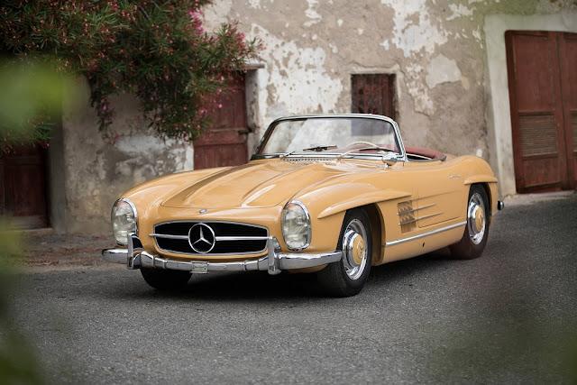 1960 Mercedes-Benz 300 SL Roadster for sale at Girardo & Co - #Mercedes #SL #Roadster #classiccar #forsale