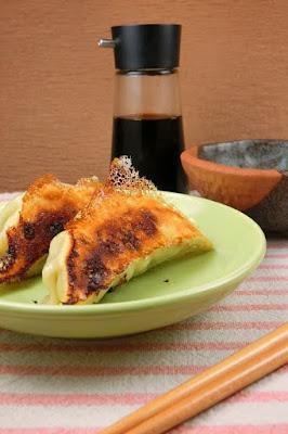 誰でも簡単に作れる羽根つき餃子の美味しい作り方のコツは2つ!