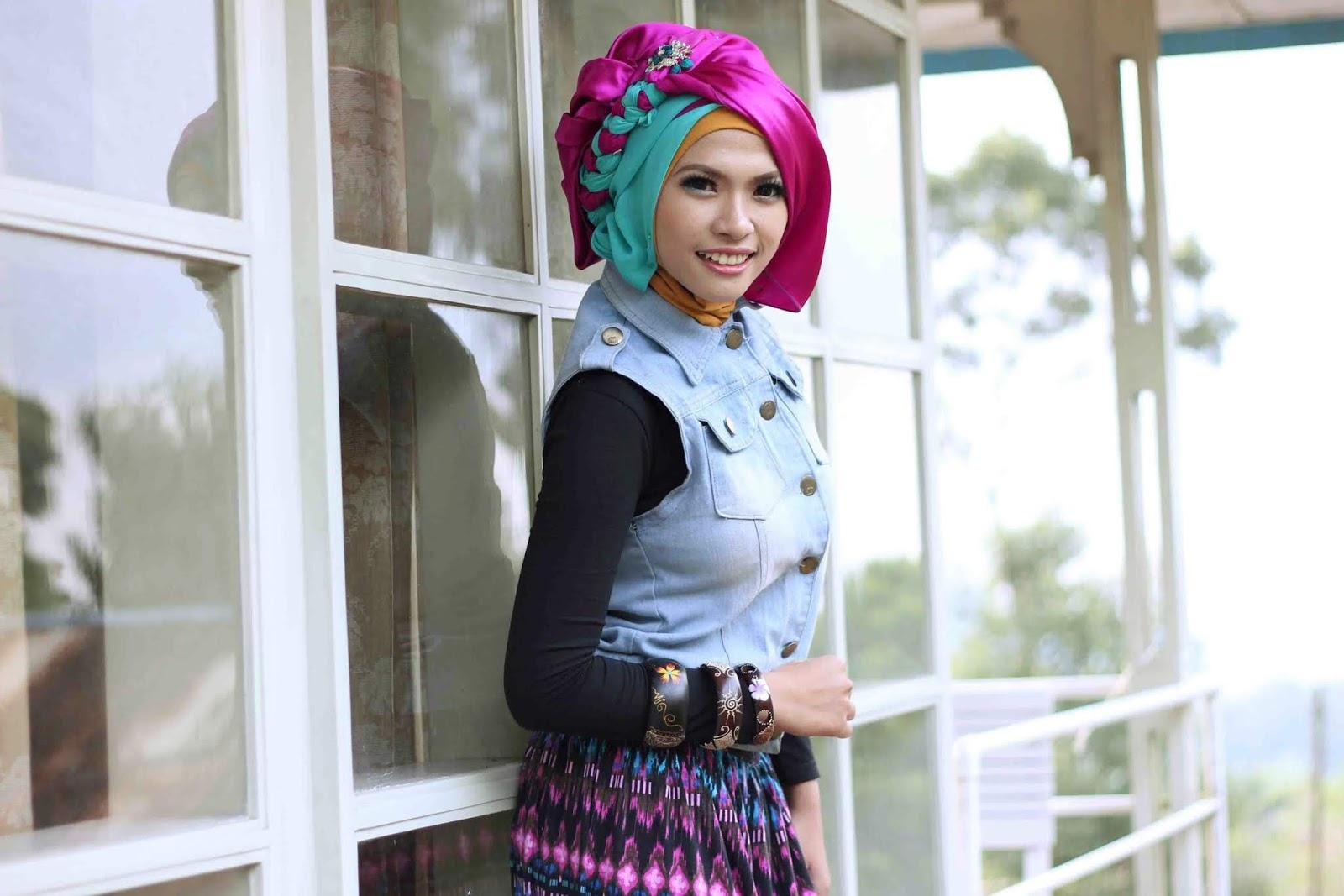 Foto Cewek Model  hijab segi 4 untuk pesta