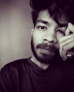 Abhishek-Dharmik-Founder-BloggingBro