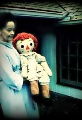 Boneka Annabelle asli dibawa oleh Lorainne