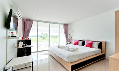 http://www.hotels2thailand.com/cha-am-deals/phet-cha-am-plaza-and-resort-04817801.html
