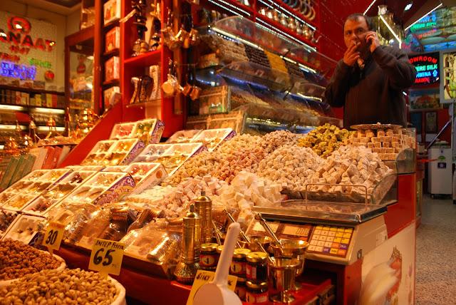 Египетский базар или рынок специй. Стамбул, Турция.