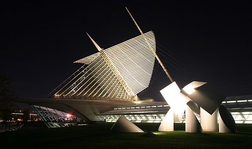 The Milwaukee Art Museum brise soleil at night
