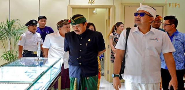 Pajang Foto Jokowi dan SBY, Wagub Perintahkan Toko WNA Tiongkok Ditutup