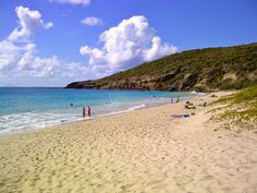 tempat-wisata-pantai-terindah-dan-terbaik-di-dunia
