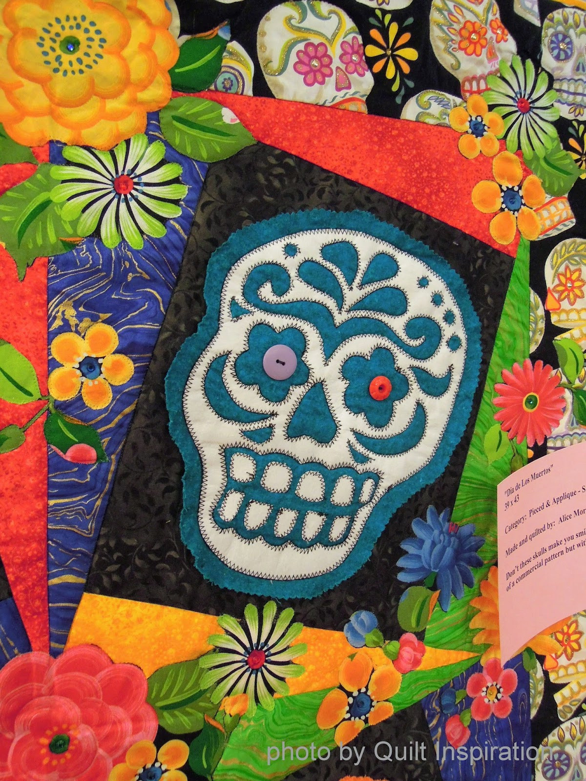 Quilt Inspiration: Quilts (and free patterns) for Dia de los Muertos!