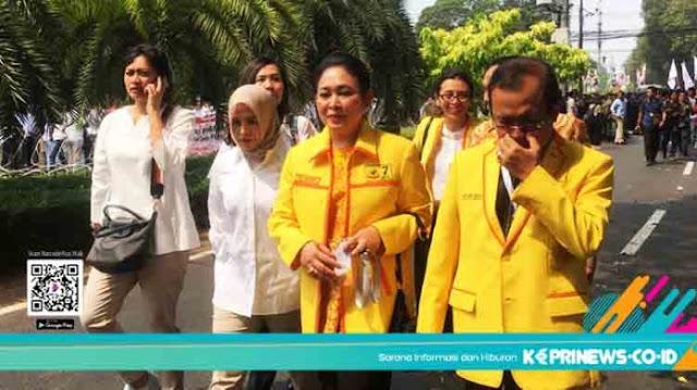 Dampingi Prabowo ke KPU, Titiek Soeharto Bawa Dukungan Partai Berkarya