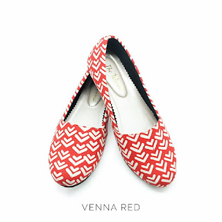 VENNA RED THE WARNA
