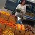 شاهد كيف تمكنت هذه المرأة الحسناء من بيع 30 بطيخة في أقل من ساعة  شاهدوا الكويتية التي أذهلت الجميع