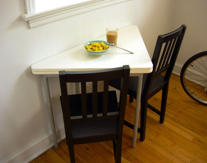 extra small kitchen table and chairs