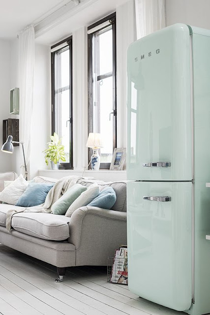 Nevera Smeg - Agradables detalles en tono pastel para este precioso mini piso nordico