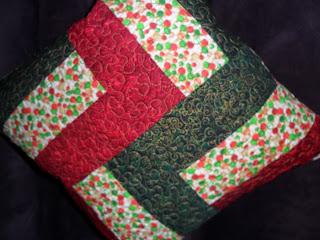162b5546e Almofadas natalinas feitas em Patchwork.
