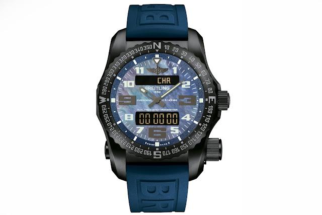BREITLING NIGHT MISSION frontal azul detalle blog debajo del reloj