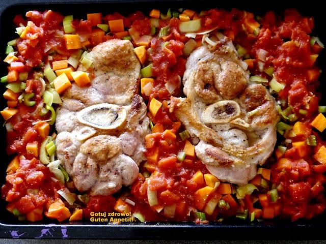 Ossobucco alla milanese - gicz cielęca duszona w warzywach - Czytaj więcej »