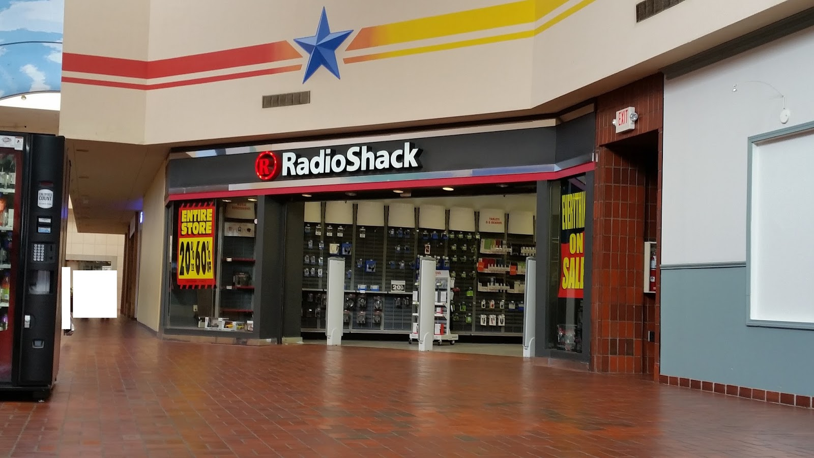 San Jacinto Mall Baytown Tx. now closed. Photos from the February 2015  closing sale. 05d208700