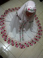 Mukena Semi Sutra Renda Bunga SOLD OUT
