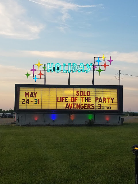Holiday Auto Theater, drive in movie, neon sign, Hans Solo