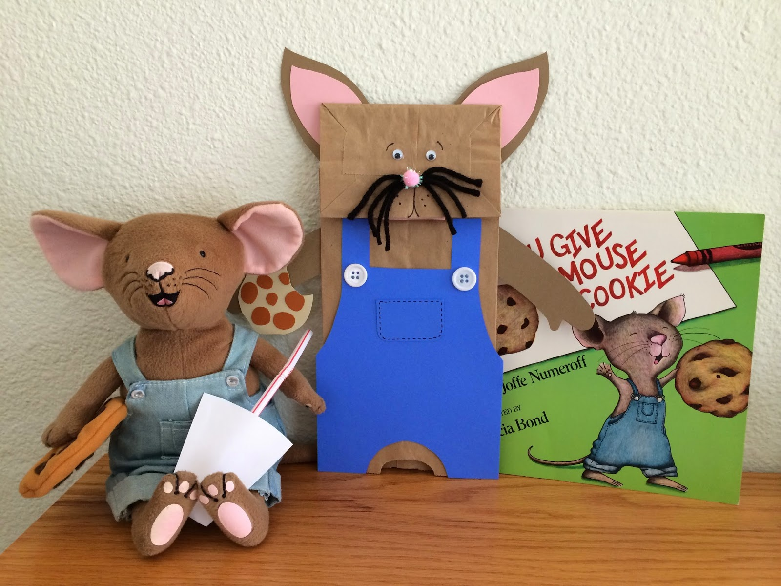 Kathy S Angelnik Designs Amp Art Project Ideas If You Give A Mouse A Cookie Mouse Puppet Art