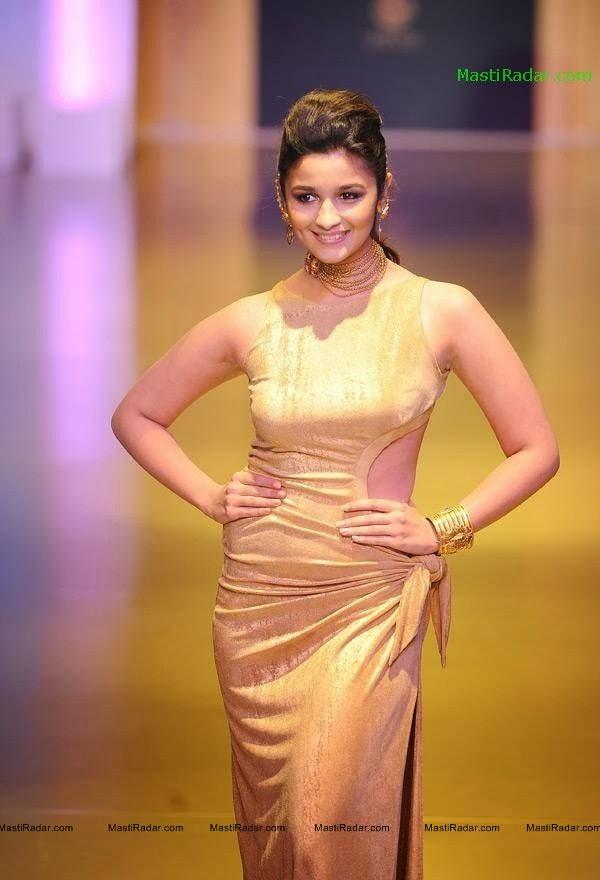 Alia Bhatt Latest Unseen Very Hot and Sexy Tight Dress Photos