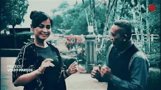 Lirik Lagu Manukmu Dicokot Semut - Wiwid Widayati