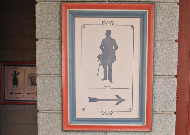Disneyland Paris restroom signs