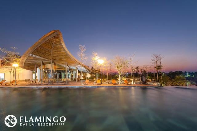 be boi nuoc nong ngoai troi tai resort flamingo