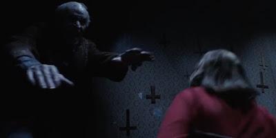 """""""לזמן את הרוע 2"""" - אדם מבוגר מת במהלך הצפייה בסרט"""