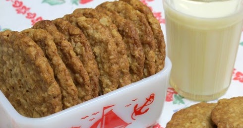 Recipe: Soft and Chewy Oatmeal Coconut Cookies Made with Unsweetened Coconut