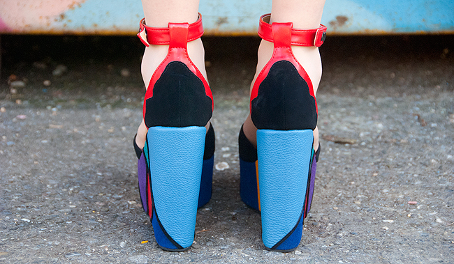 fashion blogger, platform heels, colourful heels
