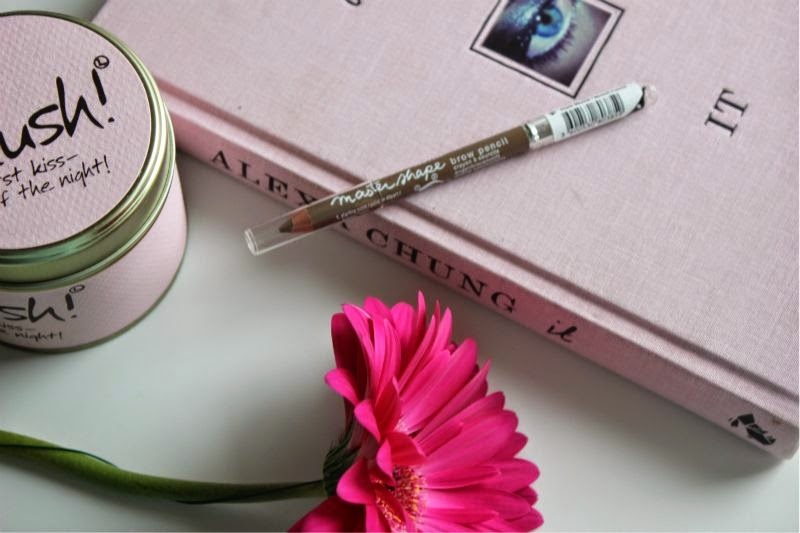 the perfect budget blonde eyebrow pencil the sunday girl