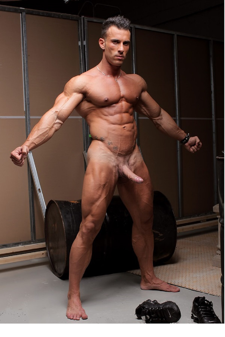 woman-sex-bodybuilder-christian-power-naked