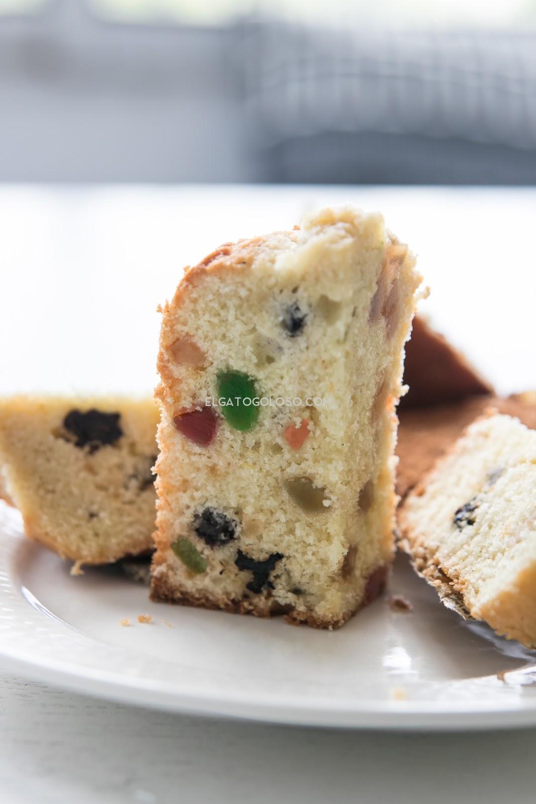 aprende la receta del muffin de panettone fácil, no es lo mismo pero resulta delicioso. Receta vía elgatogoloso.com