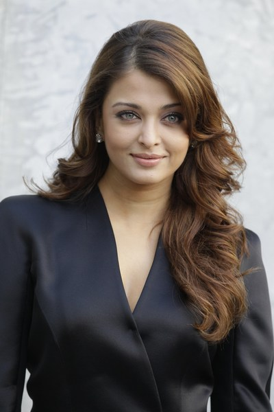 cute eyes of aishwarya rai photos