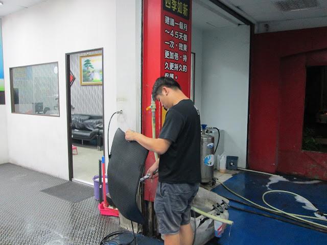 品質至上是我們的服務宗旨。 本店提供小美容、大美容、精緻洗車打蠟與頂級鍍膜服務。 不僅如此,本店尚提供到府牽車服務。