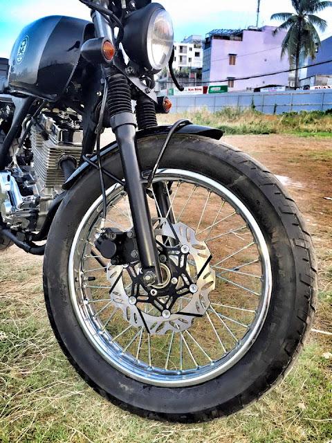 Xe Daelim 125 độ Cafe Racer của Việt Nam