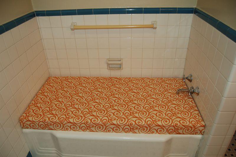 Ain 39 t she crafty unused bathtub clever friend total for Unused bathtub ideas