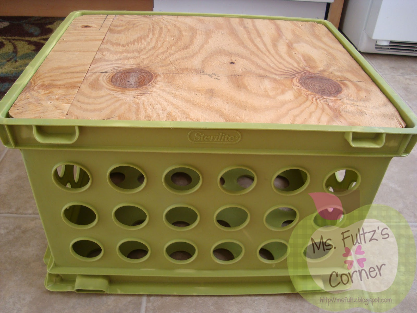 Upcycled crate seat tutorial christi fultz for Where can i buy wooden milk crates