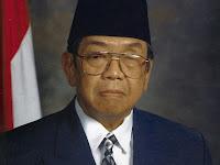 """Biografi Presiden RI Ke-4. Gus Dur """"Di Juluki Sebagai Guru Bangsa"""""""