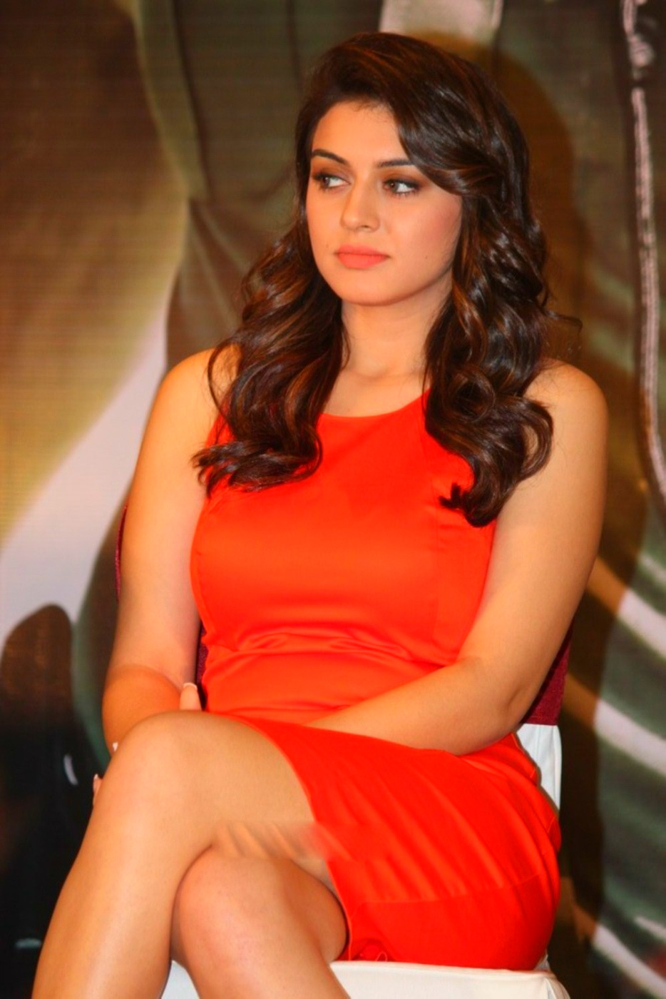 Hansika Motwani is just stunningly hot in this short red dress.