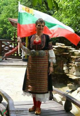 Тази абитуриентка просълзи цяла България, видът й ще ви разтърси (СНИМКИ)