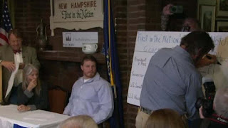 Hillary Clinton wins Dixville Notch midnight vote