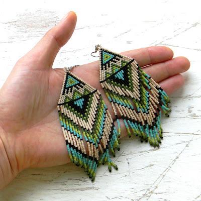 Крупные этно-серьги из бисера ручной работы украшения из бисера россия