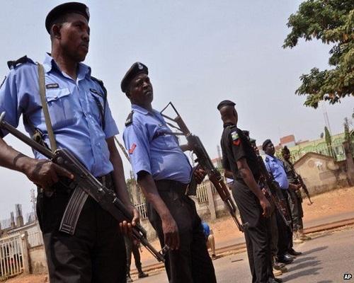 Villa Policemen Protest Unpaid Allowances Since 2015