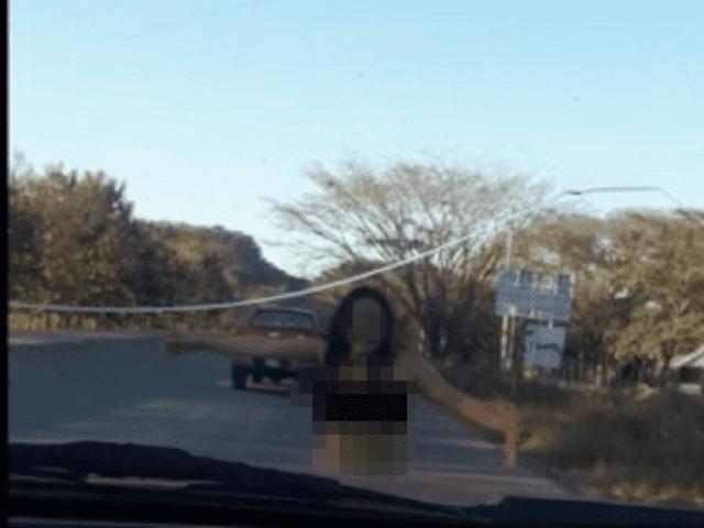 Mujer desnuda suplica ayuda en carretera de Chiapas tras salir corriendo de autohotel