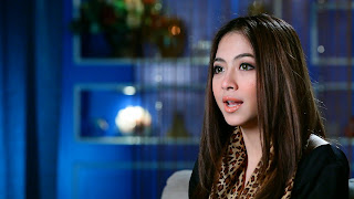 Biodata Nadia Vega