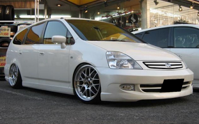 Honda Stream Modifikasi VIP