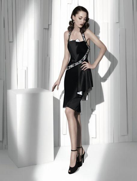 f4ce477e1 Vestidos de madrina - Colección Manu Alvarez 2011. Fuente  Vogue
