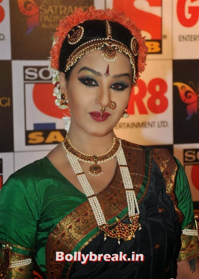 , Evelyn, Raveena & Tv Babes at Sab Ke Satrangi Parivaar Awards 2014