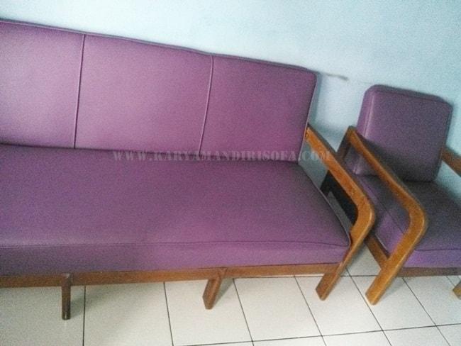 dudukan panjang sofa